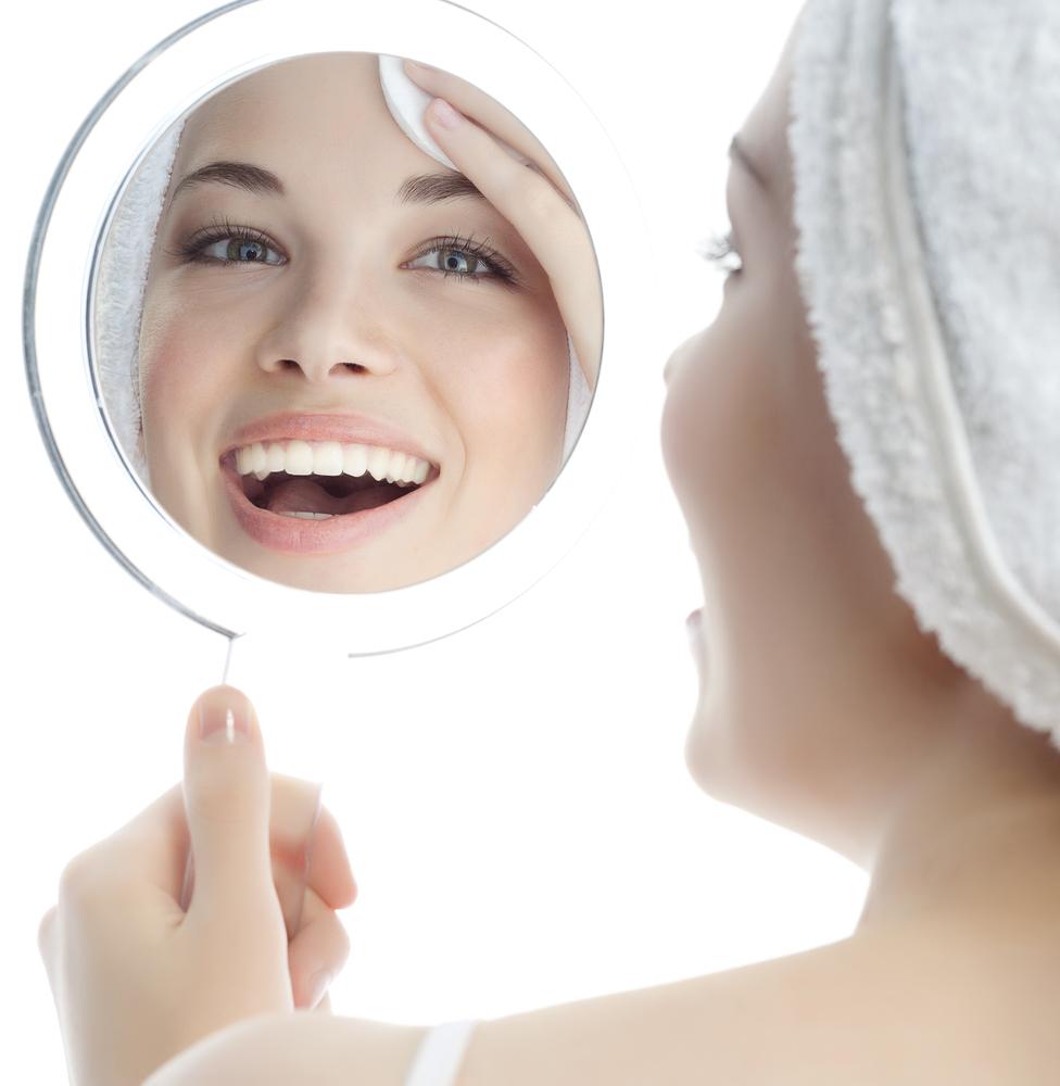 歯並びを整えて印象をよくしたい!矯正の種類と治療期間について