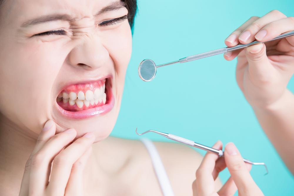 笑うと歯茎が目立ってしまう!~ガミースマイルの悩みを解消したい~